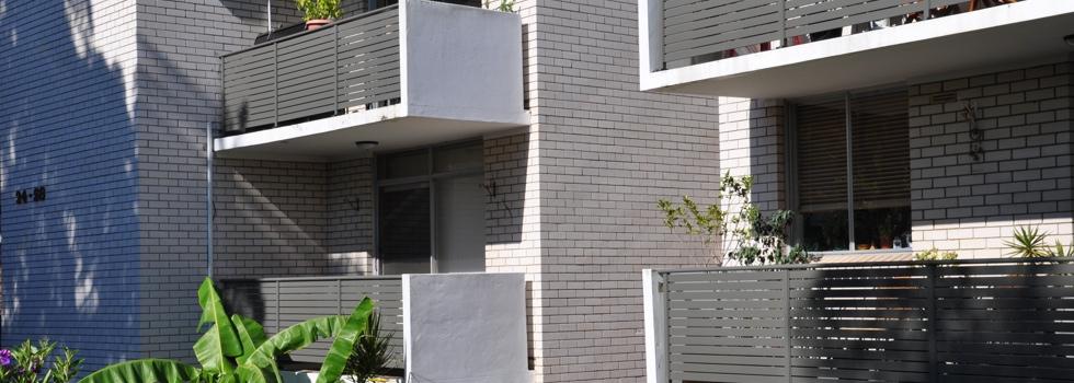 Kwikfynd Aluminium balustrades 24