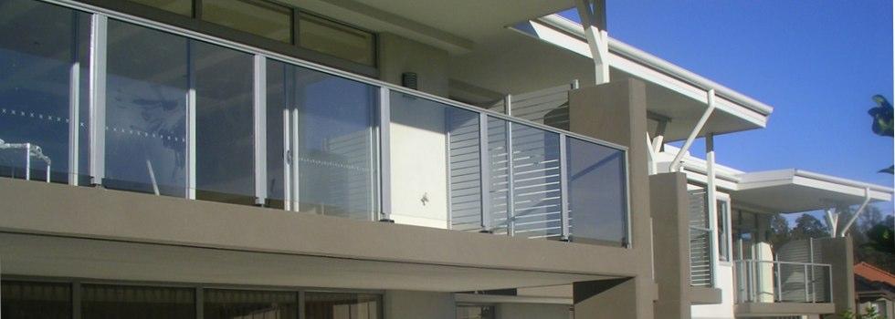 Kwikfynd Aluminium railings 136