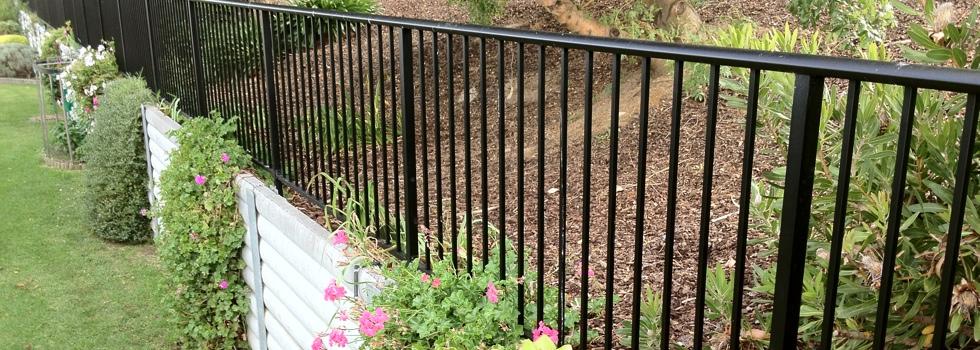 Kwikfynd Aluminium railings 147