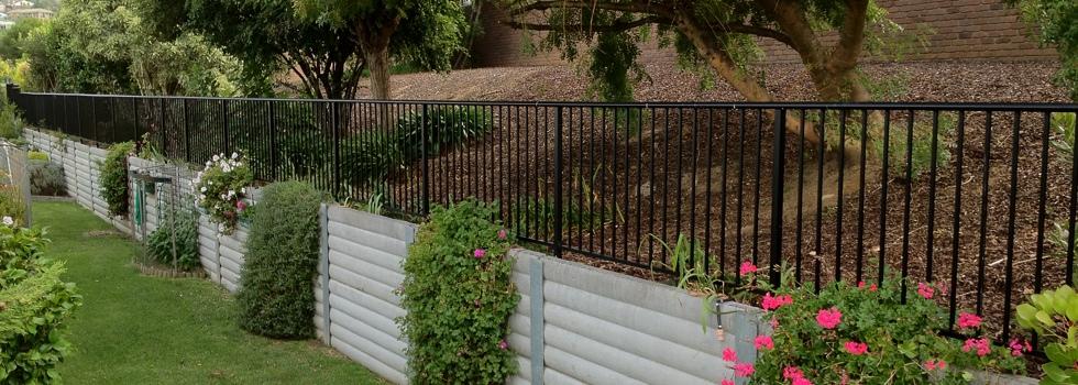 Kwikfynd Aluminium railings 148