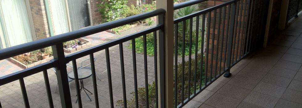 Kwikfynd Aluminium railings 164