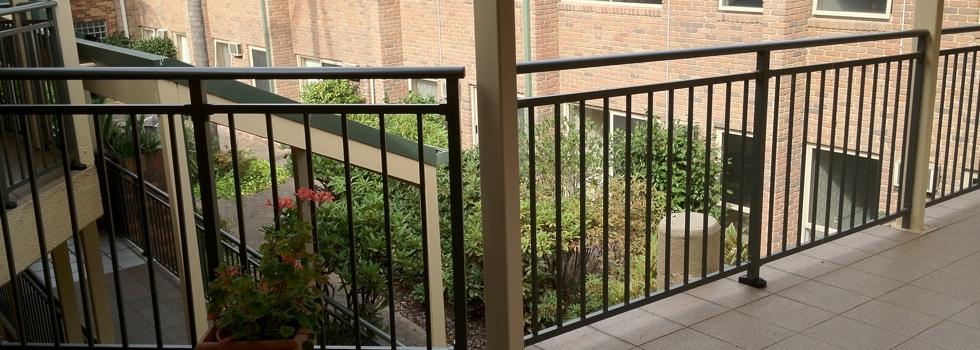 Kwikfynd Aluminium railings 165