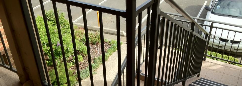 Kwikfynd Aluminium railings 167