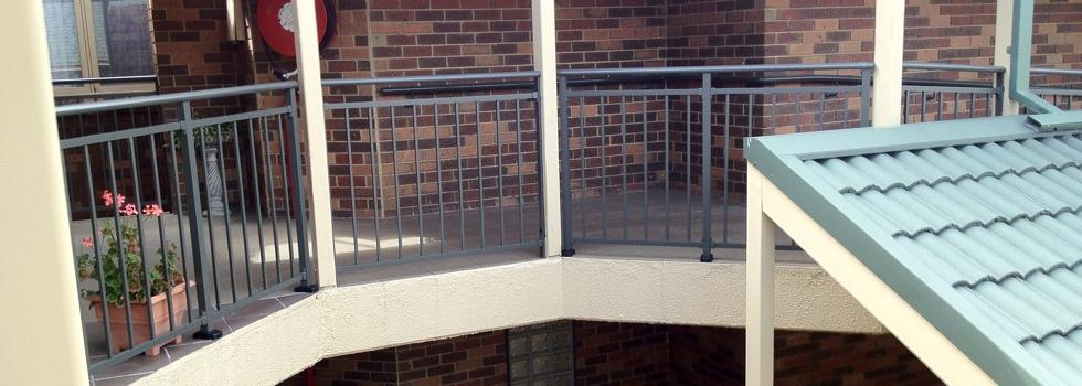 Kwikfynd Aluminium railings 168