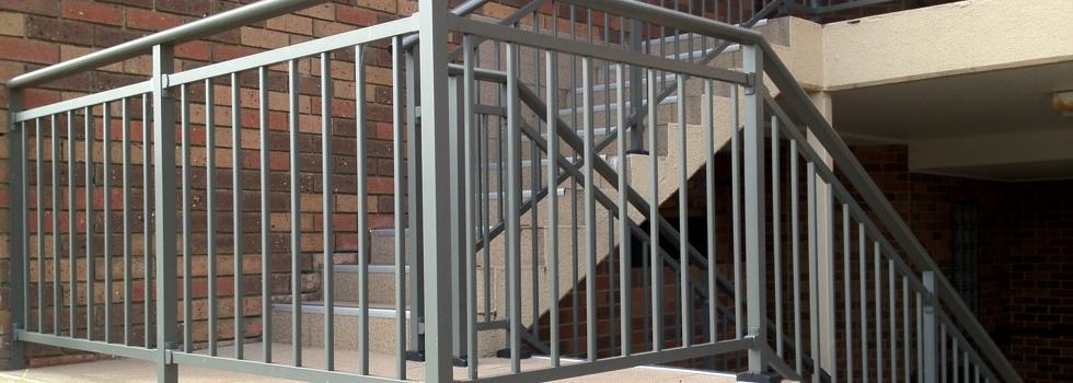 Kwikfynd Aluminium railings 170