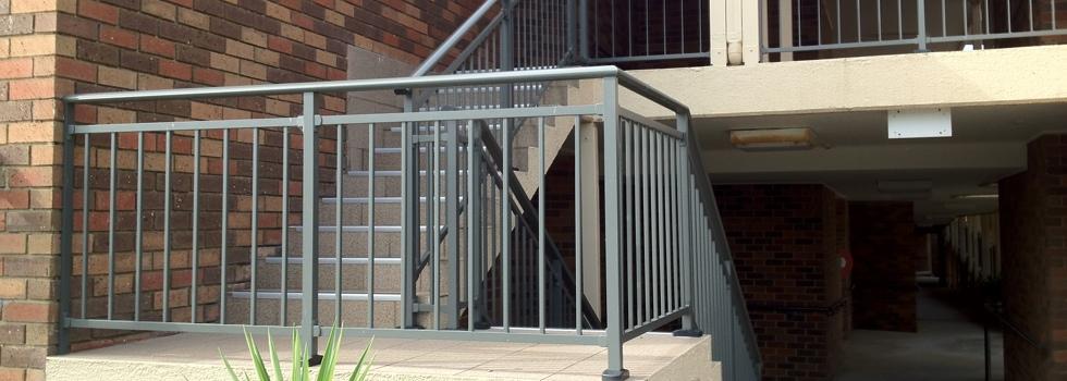 Kwikfynd Aluminium railings 171