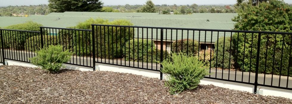 Kwikfynd Aluminium railings 174
