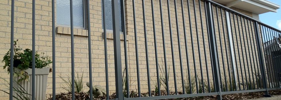 Kwikfynd Aluminium railings 175