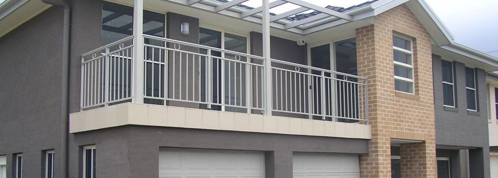 Kwikfynd Aluminium railings 203