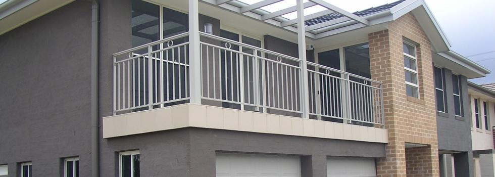 Kwikfynd Aluminium railings 209