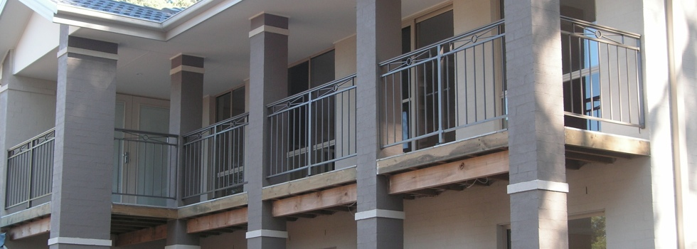 Kwikfynd Aluminium railings 216