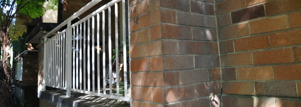 Kwikfynd Aluminium railings 42