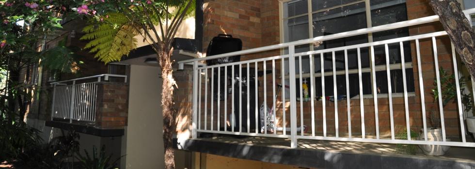 Kwikfynd Aluminium railings 43