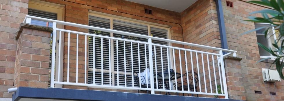 Kwikfynd Aluminium railings 46