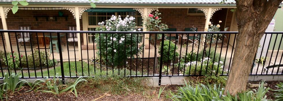 Kwikfynd Aluminium railings 64