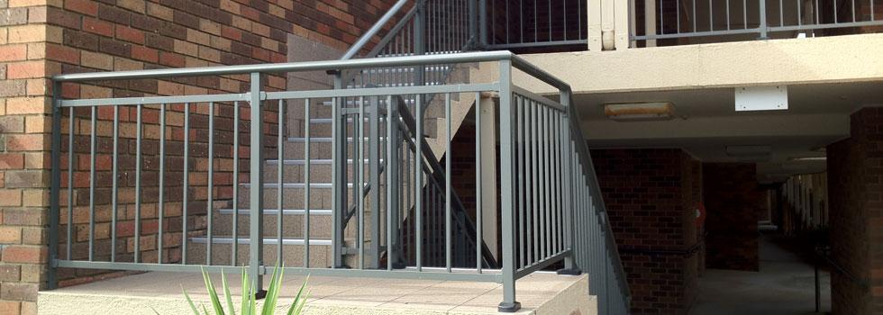 Kwikfynd Aluminium railings 68
