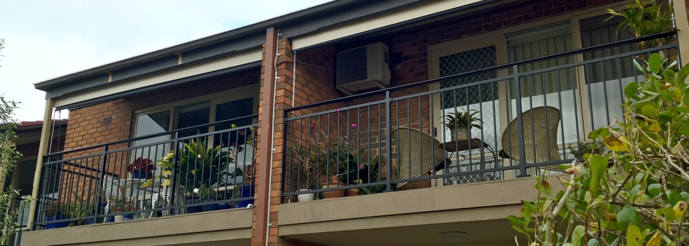 Balcony balustrades 109