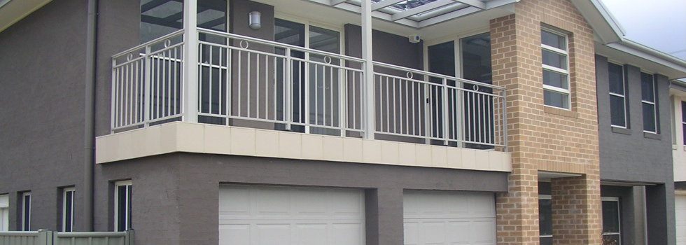 Balcony balustrades 117