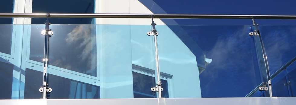 Kwikfynd Glass balustrades 30