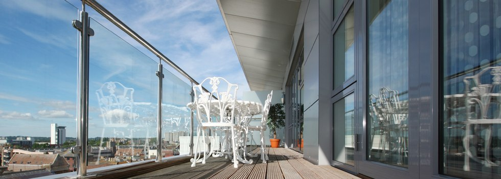 Glass balustrades 68
