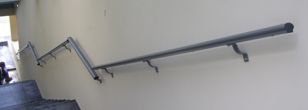 Kwikfynd Grab rails 7